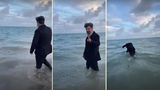 juiz mergulha mar paleto comemorar aposentadoria