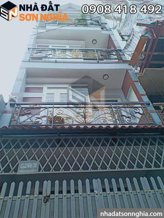 Thiết kế nhà hiện đại 1 trệt 2 lầu sân thượng