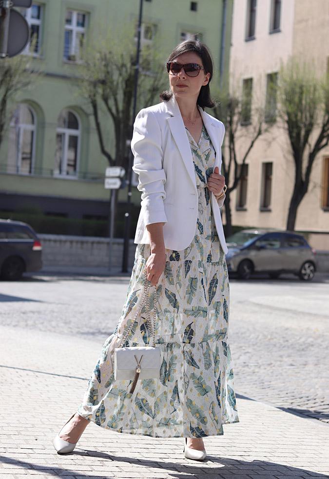 długa sukienka w kwiaty stylizacje