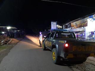 Patroli Malam hari anggota Polsek Alla Untuk menjaga Kamtibmas tetap kondusif