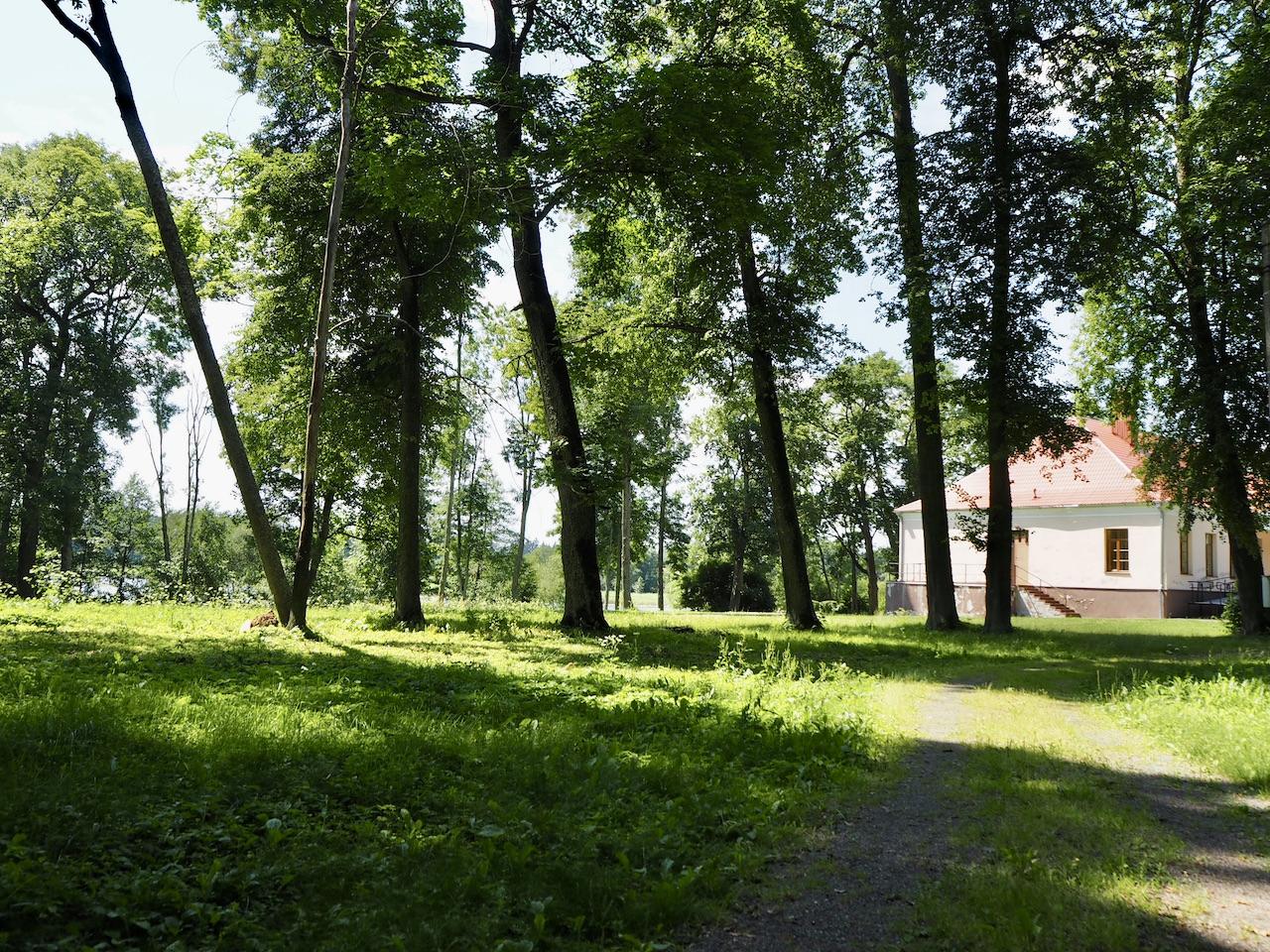 Pikeliškių dvaras rūmai ir parkas