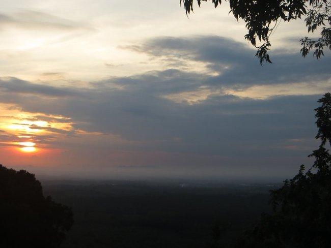 Рассвет с высокой горы
