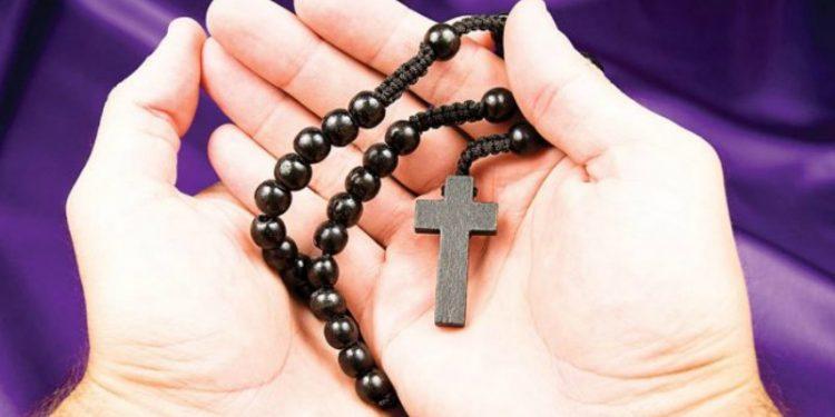 10 Fakta Tentang Rosario yang Wajib Diketahui Umat Katolik