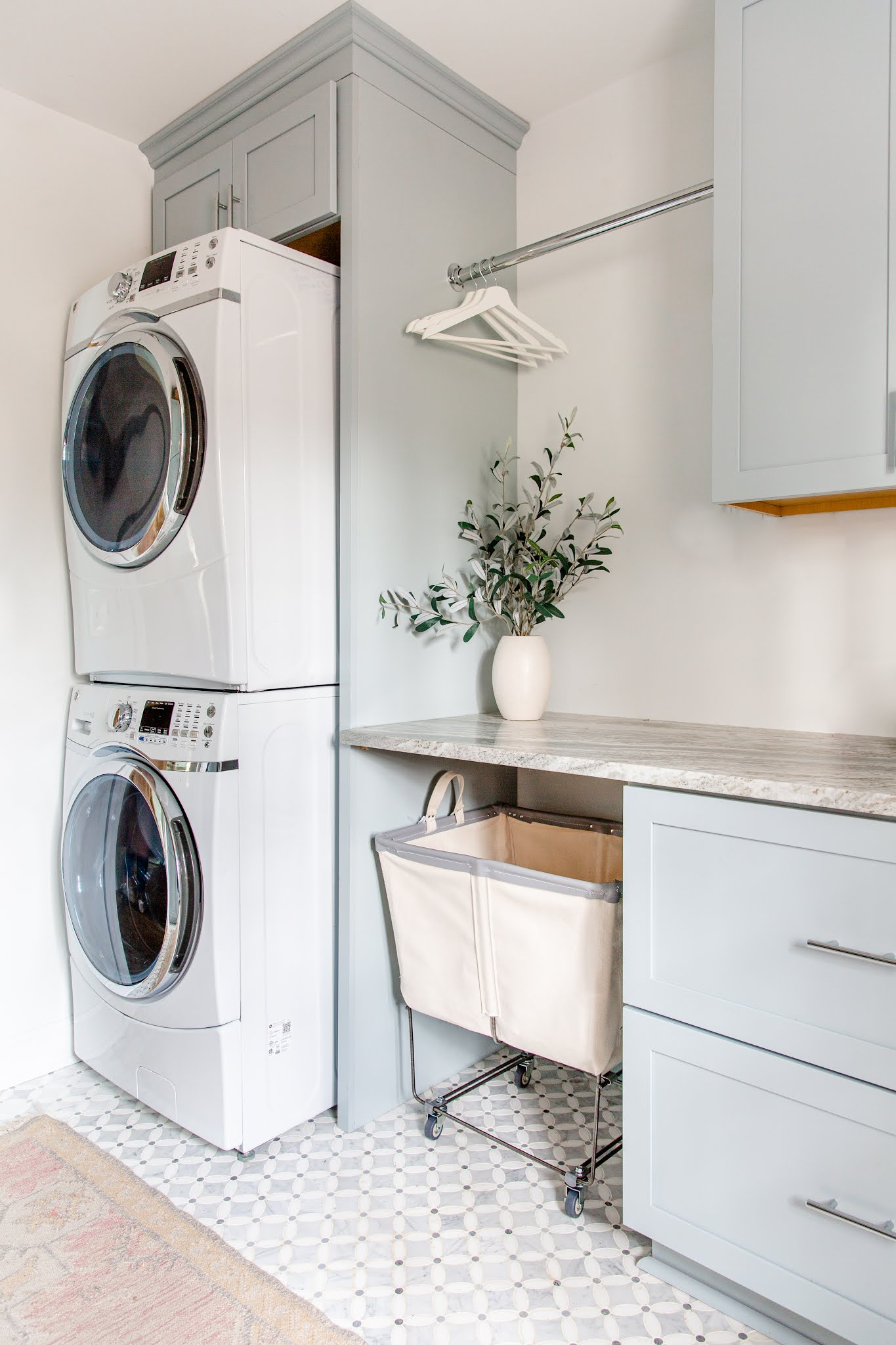https://www.oliveandtate.com/2020/08/design-plan-laundry-utility-room-with.html