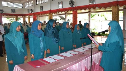 6 Ketua TP-PKK Kecamatan di Padang Serah Terima Jabatan