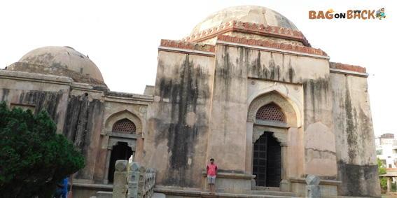 Firoz Shah's Tomb-Hauz-Khas