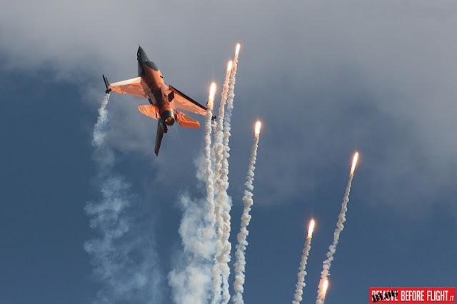 NO DUTCH F-16 DEMO TEAM IN 2016