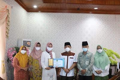 Wakil Wali Kota Bengkulu Dedy Wahyudi  menunjukkan rasa bangganya pada sosok perempuan inspiratif yang mengharumkan nama Bengkulu dikancah nasional.