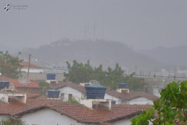 Sertão da Paraíba registra maiores índices de chuva de todo estado; previsão é de mais água