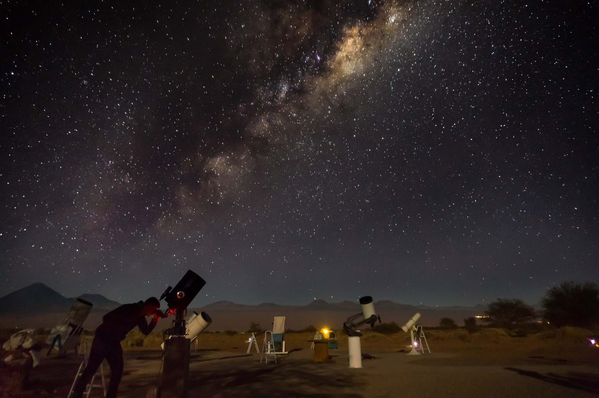 Наблюдение за звездами в пустыне Атакама