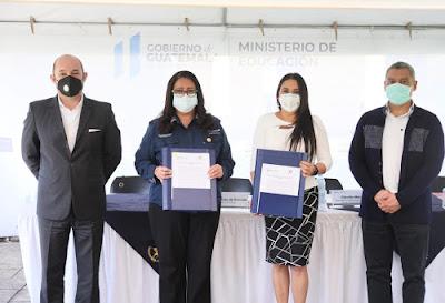Fundación Azteca y Mineduc firman acuerdo