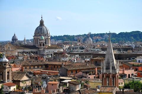 Pod klenbami Říma III