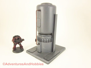 Short vertical storage tank for 25-28mm scale wargames - side view 1.