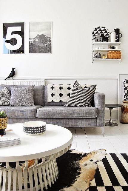 Faux Cowhide Rug 25 ideas de decoración de salas: que poner al lado del sofa