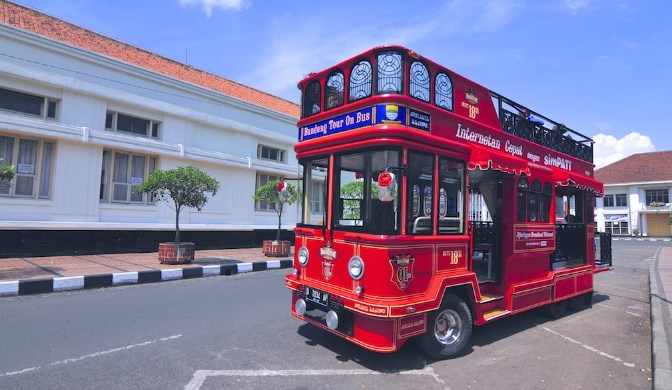 Bandung Siap Sambut Wisatawan Tahun 2018 Dengan Bus BANDROS