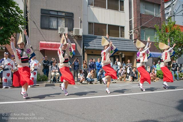 江戸っ子連、女踊り、マロニエ祭り流し踊り中の演舞の写真 その4