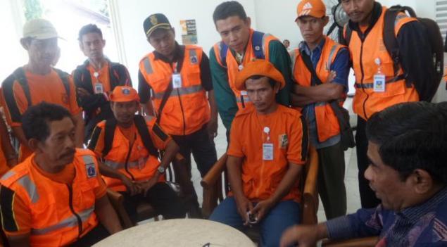 Kejanggalan Perekrutan Pasukan Oranye yang Kini Bergaji Rp 4 Juta...