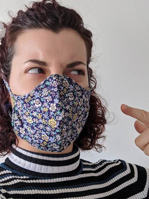 ne pas toucher les masques en tissus