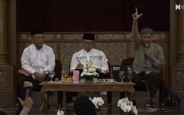 Dajjal, Iluminati dan Kekeliruan: Catatan untuk Ustadz Rahmat Baequni