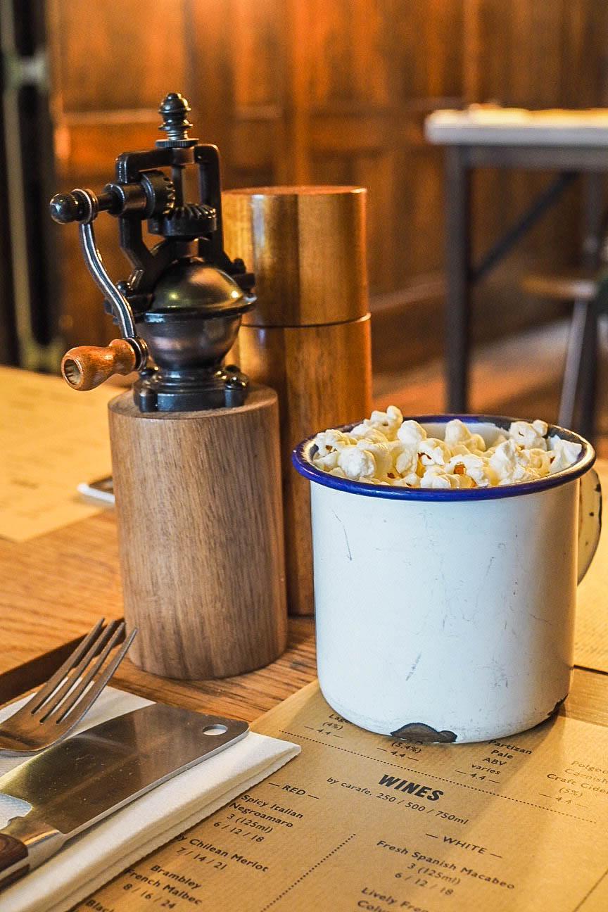Popcorn in enamel cup
