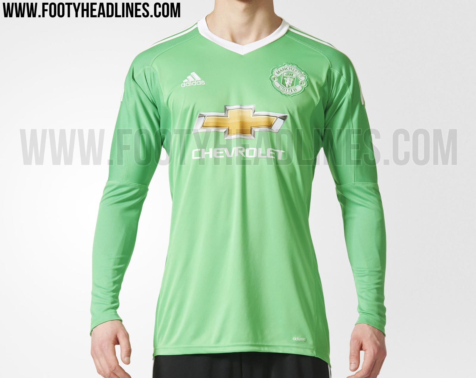 save off a63db 52bb6 manchester united goalie jersey