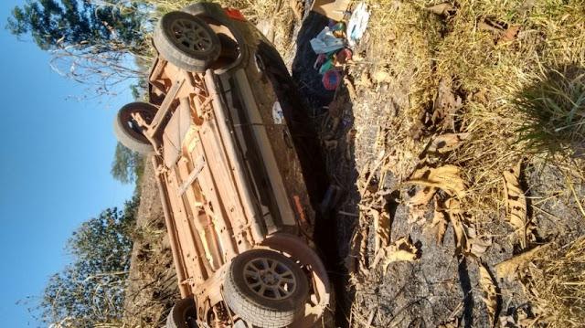 Após pneu estourar EcoSport capota várias vezes na BR 364 deixando vítima