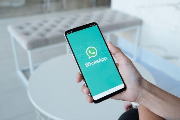 1. Manfaat Internet untuk Konektivitas dan Komunikasi