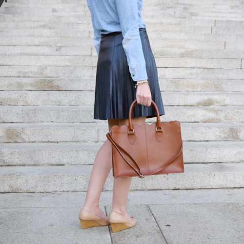 scalloped bag and leather skirt
