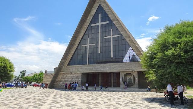 Se Catedral de Nossa Senhora de Fatima in Benguela