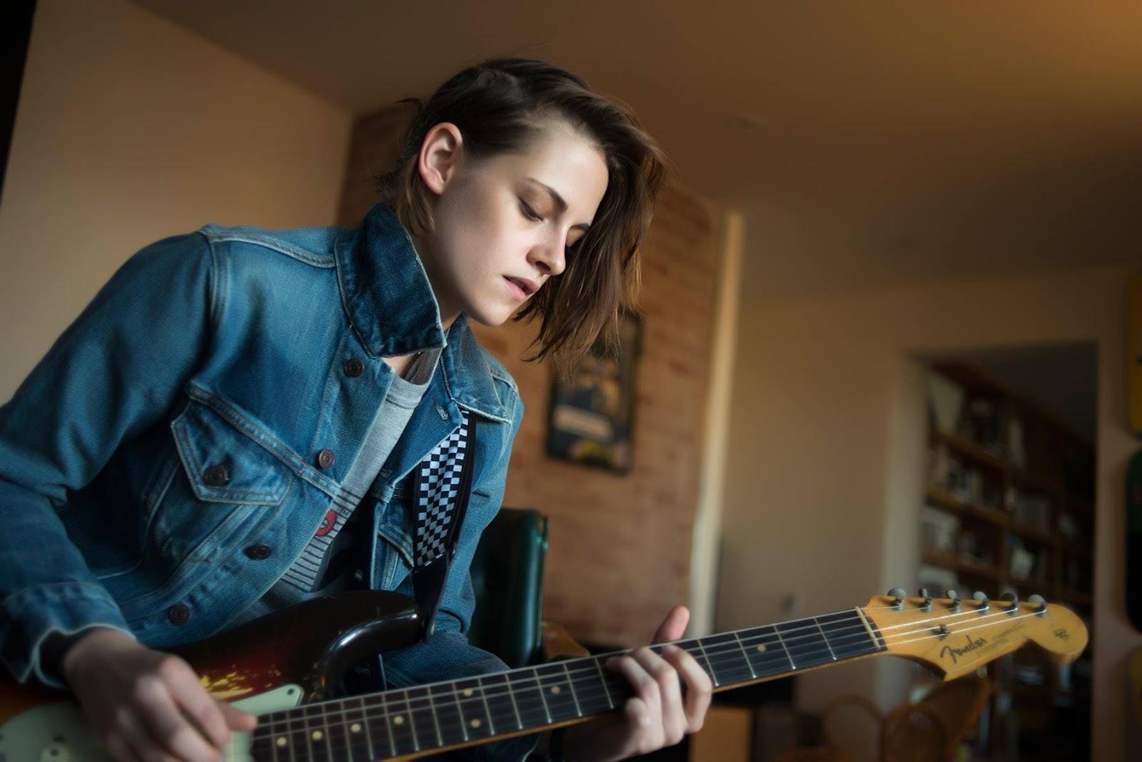 Kristen Stewart Denim Jacket HD Wallpaper