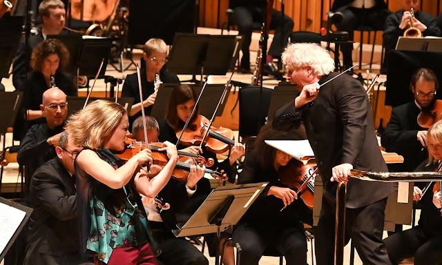 Colin Matthews: Violin Concerto - Leila Josefowicz, London Symphony Orchestra, Simon Rattle - Barbican Centre (Photo Mark Allan)