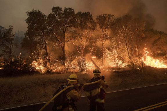#FireTrap,#Disaster : Aerial videos capture terrifying wildfires scorching California by Maria Gallucci