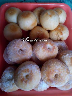 donat dan roti goreng dari adonan bakpao