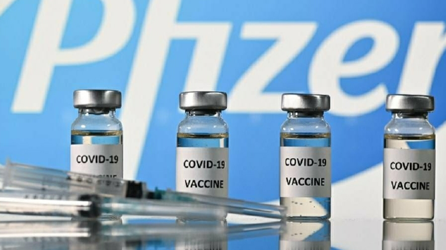 Two people sick after applying corona vaccine in UK on first day, warning issued