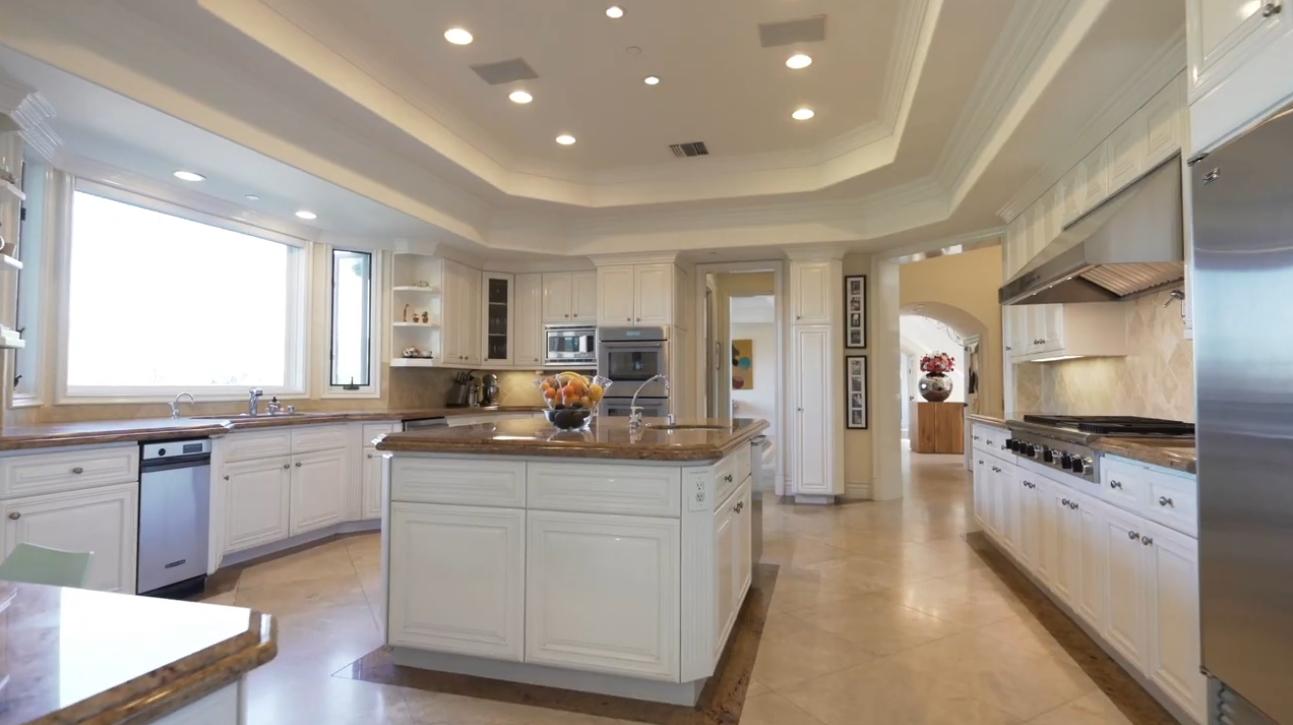 11971 Lockridge Estate Rd, Studio City, CA vs. Mansion Interior Design Tour