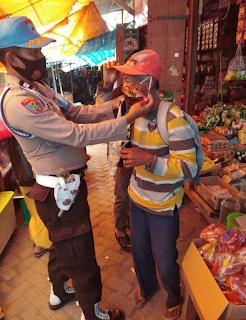 Tingkatkan Rasa Aman, Sat Sabhara Polsek Alla Polres Enrekang Laksanakan Patroli Di Pasar Sudu