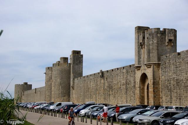 La cinta esterna della cittadella di Aigues Mortes