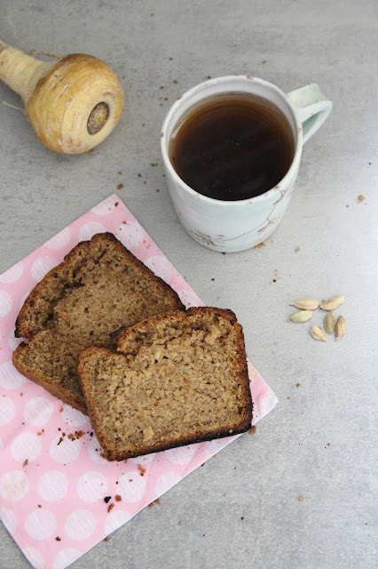 Cuillère et saladier : Cake panais-cardamone (vegan)