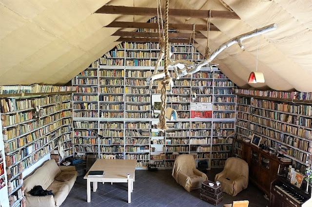 Miejsce z książką #3: Dom Spokojnej Książki
