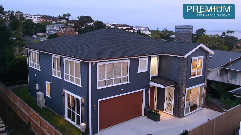 27 Photos vs. Tour 25A Bevyn St, Castor Bay, Auckland Luxury Home Interior Design