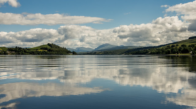 Photo of a beautiful sunny day on Loch Awe