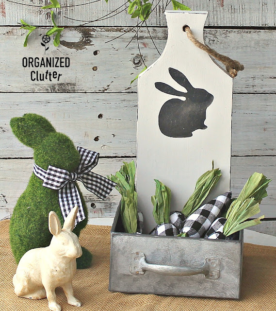 Cutting Board Easter/Spring Farmhouse Decor #cuttingboards #farmhousestyle #Easter #spring #Easterdecor #repurpose #upcycle