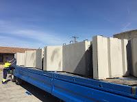 transporte de los separadores de hormigón de fábrica al destino