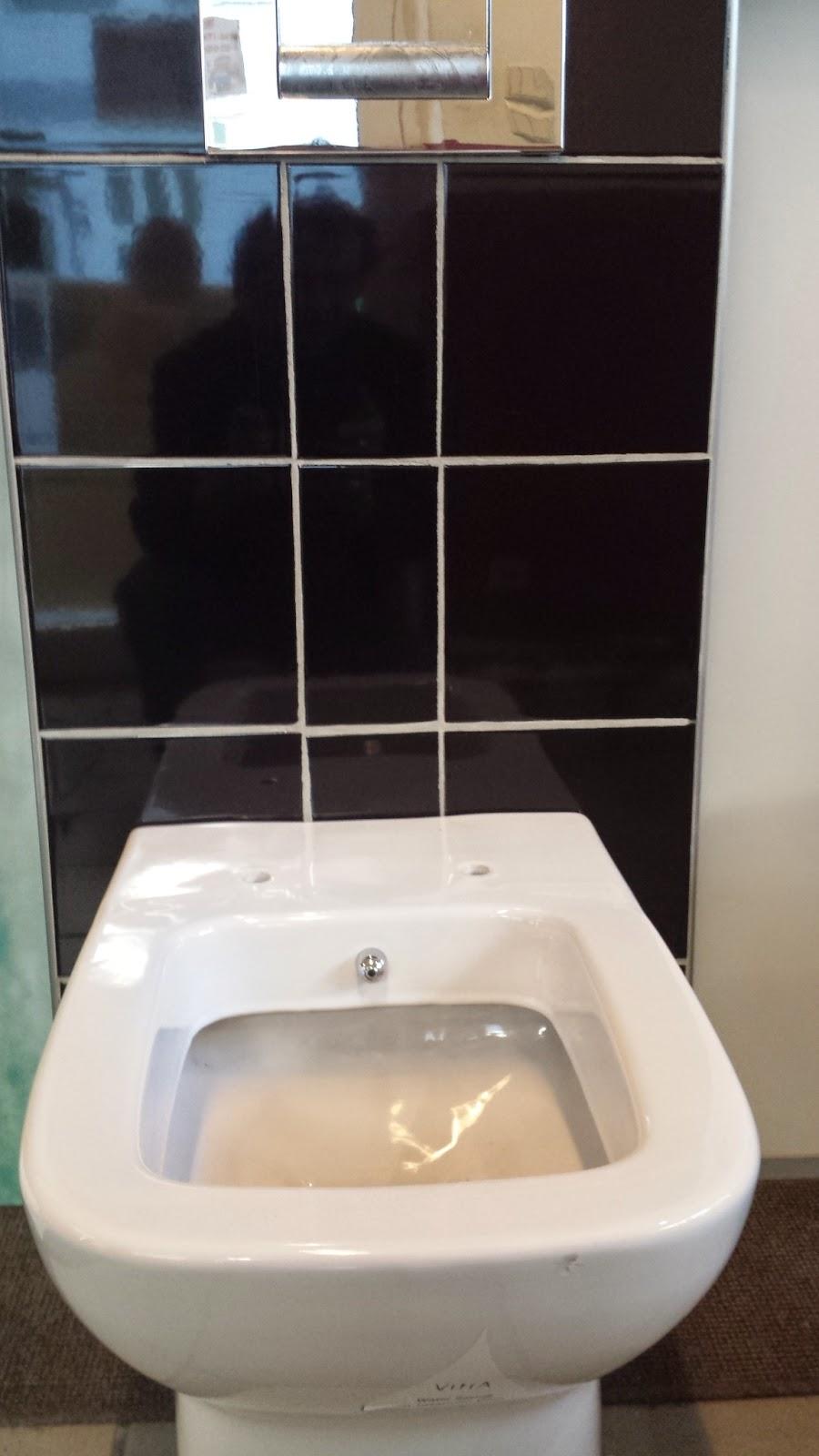 wc und bidet in einem sema wien hat es lagernd alleinvertrieb in wien sterreich und der eu. Black Bedroom Furniture Sets. Home Design Ideas