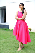 Rashi khanna new dazzling photos-thumbnail-19