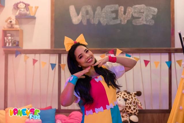 Cantora Vaneyse lança programa infantil no YouTube