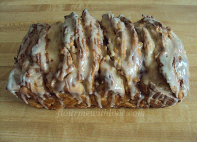 apples-cinnamon-fritters-bread-glaze