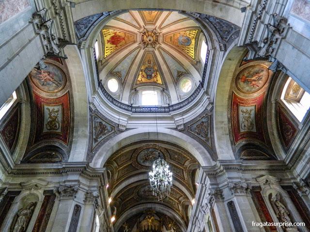 interior da Igreja de Bom Jesus do Monte, em Braga, Portugal