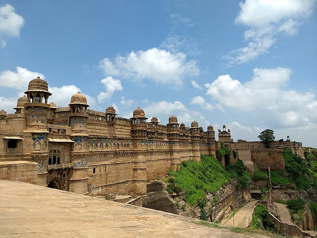 14 Insanely Photogenic Historical Places in North India, gwalior fort