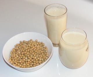 lapte vegetal din soia, bio, natural, naturist, sanatate, alimentatie, frumusete, bautura de soia, bauturi, sucuri,